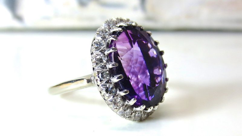 Pourquoi choisir un bijou serti de diamant et d'améthyste ?